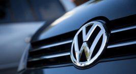 Alman otomotiv devi Volkswagen, ürün gamını elektriklendirmeye devam ediyor. Şirket, plug-in hybrid (şarj edilebilir hibrit) sisteme sahip yeni Touareg R versiyonunu görücüye çıkardı. | startr haber