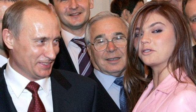 Rusya Devlet Başkanı Vladimir Putin'in yasak aşk yaşadığı sevgilisi Alina Kabayeva'nın Nisan ayında ikiz bebek dünyaya getirdi.